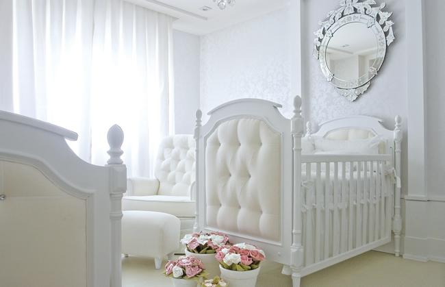 Total White quartos de bebê com decoração 100% branco