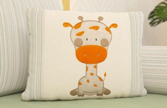 almofada-girafinha