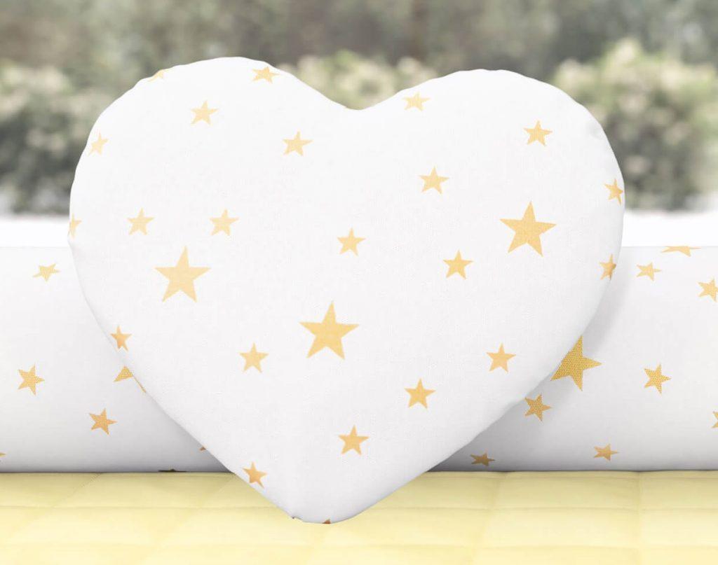 quarto de bebê coração