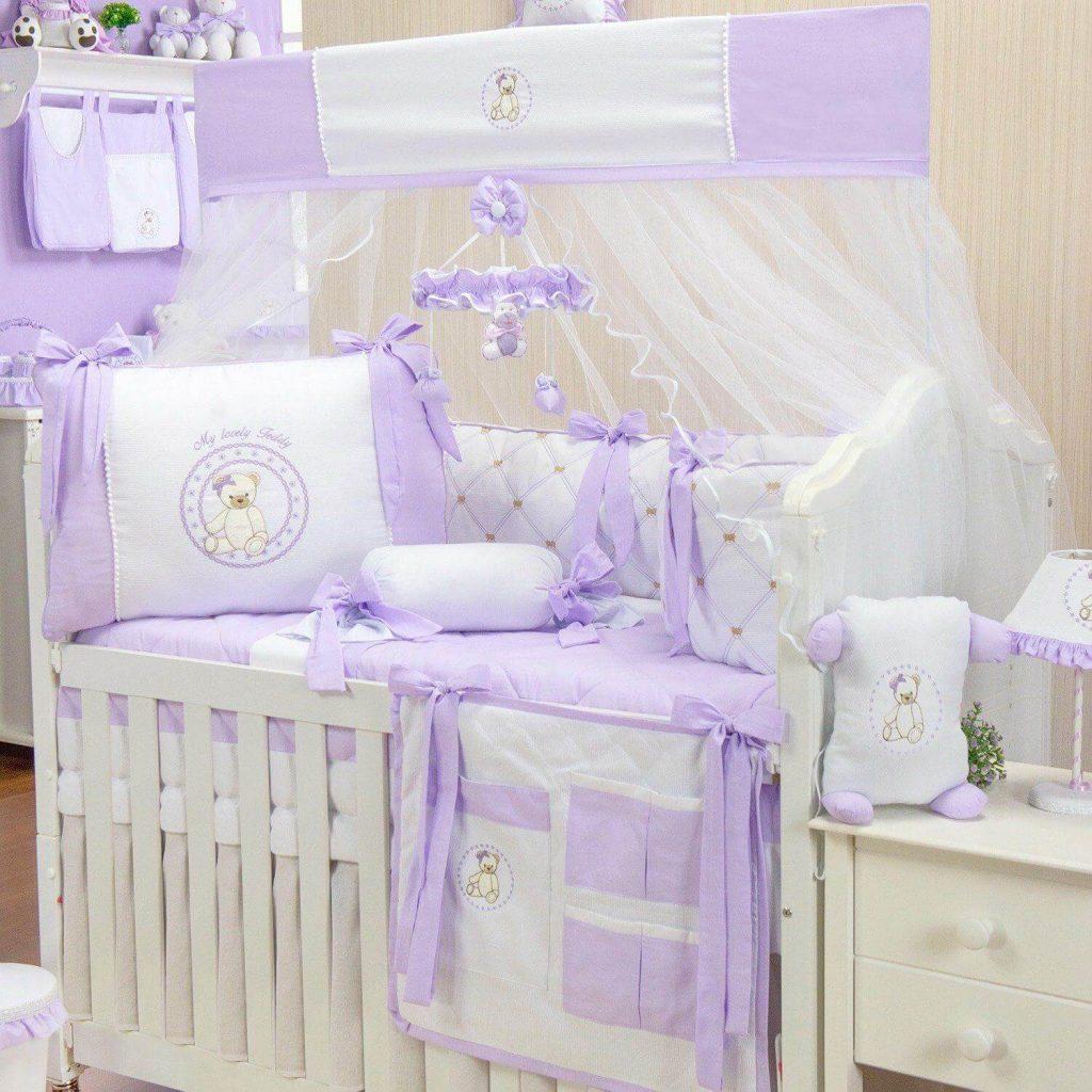 quarto de bebê lilás